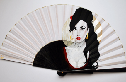 Amy Winehouse handfan made by Gigi