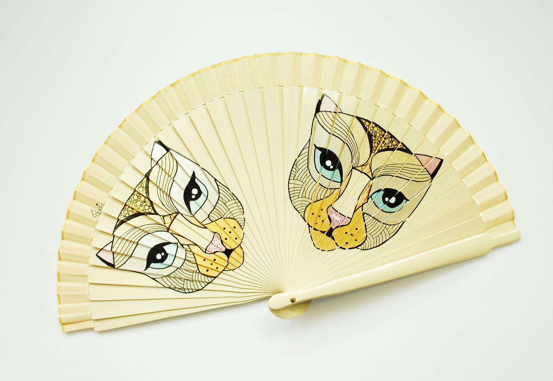 gigi-hand-fans-catas-3