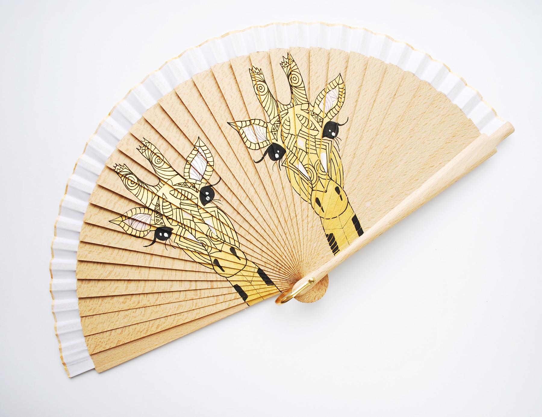 jiraf-gigi-hand-fans-2