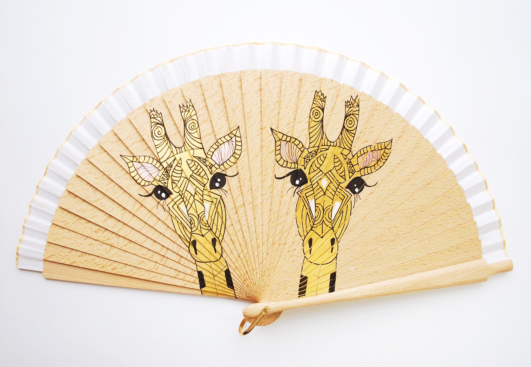 jiraf-gigi-hand-fans1