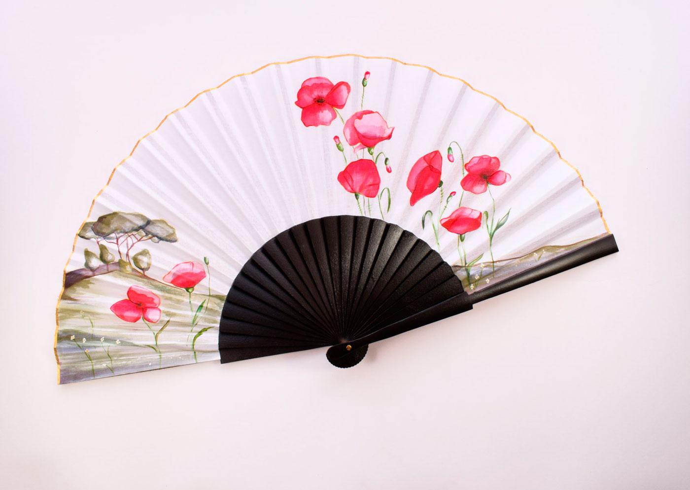 Poppy-motifs-hand-fan-2