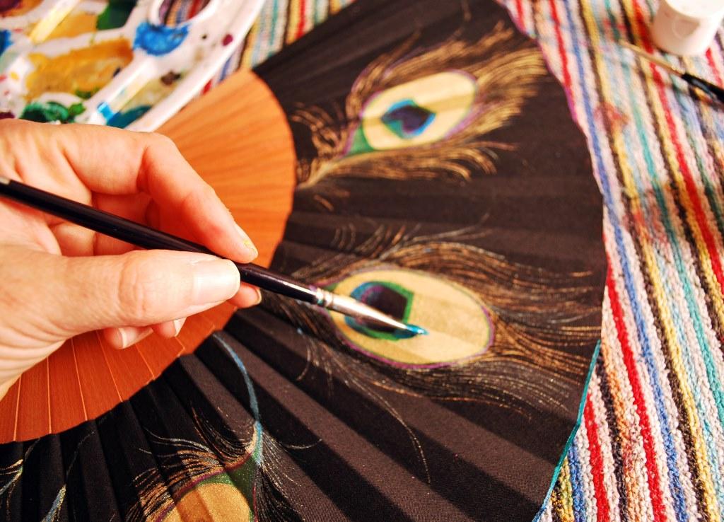 2-gigiabanicos-plumaspavo-pintandocompr