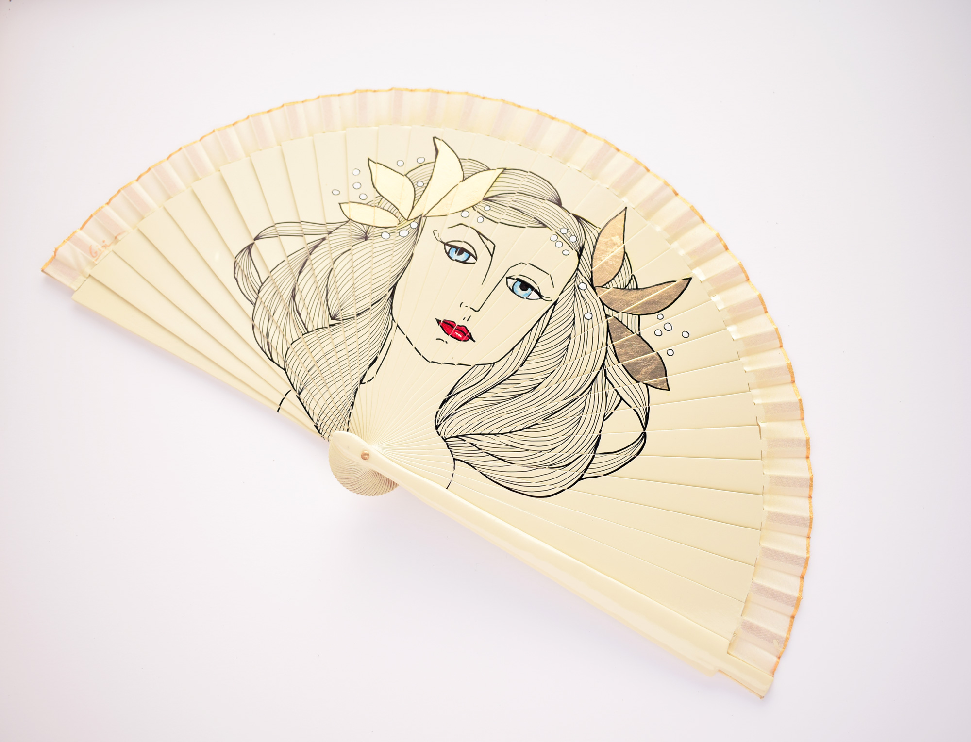 2Francoise-gillot-gigi-hand-fans