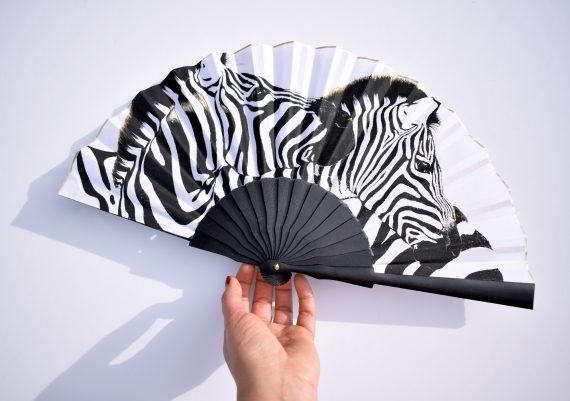 hand fan zebras, folding hand fans, abanico español, cenras, eventail paint a la main