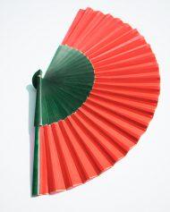 gigi-abanicos-rojo-y-verde